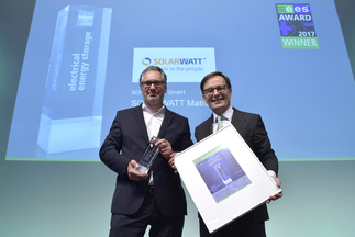 "SOLARWATT GmbH was honored for the product ""SOLARWATT Matrix"""