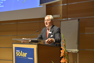 Udo Möhrstedt (CEO and founder, IBC Solar AG) presented at the Intersolar Study Program during Intersolar Europe