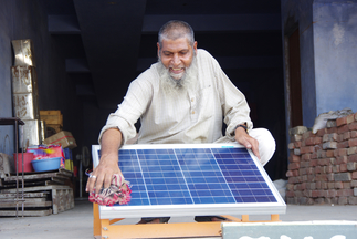 """Simpa Networks, """"Simpa's pay-as-you-go solar home system model"""""""