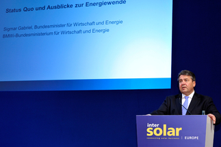 Politicians and influential entrepreneurs flock to Intersolar from all over the world. Picture: Sigmar Gabriel, German Minister for Economic Affairs and Energy.
