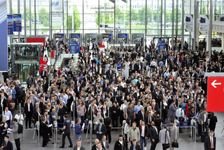 Get ready for the 2016 exhibition series! Intersolar Europe: June 22–24, Intersolar North America: July 12–14, Intersolar South America: August 23–25, Intersolar Middle East: September 19–21, and Intersolar India: October 19–21.
