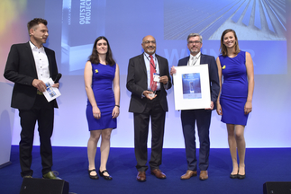 """The smarter E AWARD (Outstanding Projects): First Solar GmbH was honored for """"Important role of PV plants in stabilizing the grid"""""""